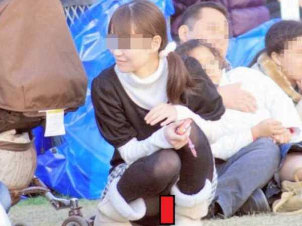 パンチラ 子育てママ エロ画像 2