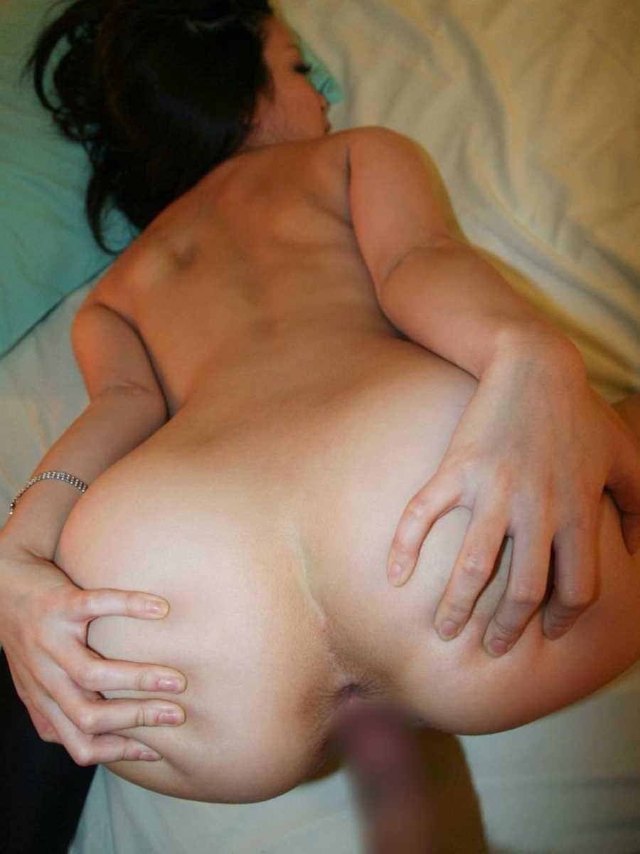日焼け跡がエロい女子のセックス画像 79