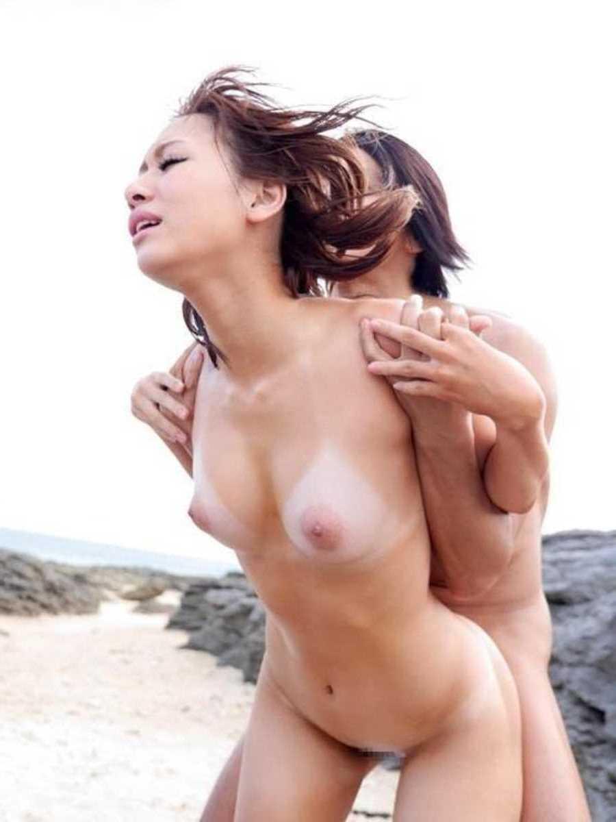 日焼け跡がエロい女子のセックス画像 88