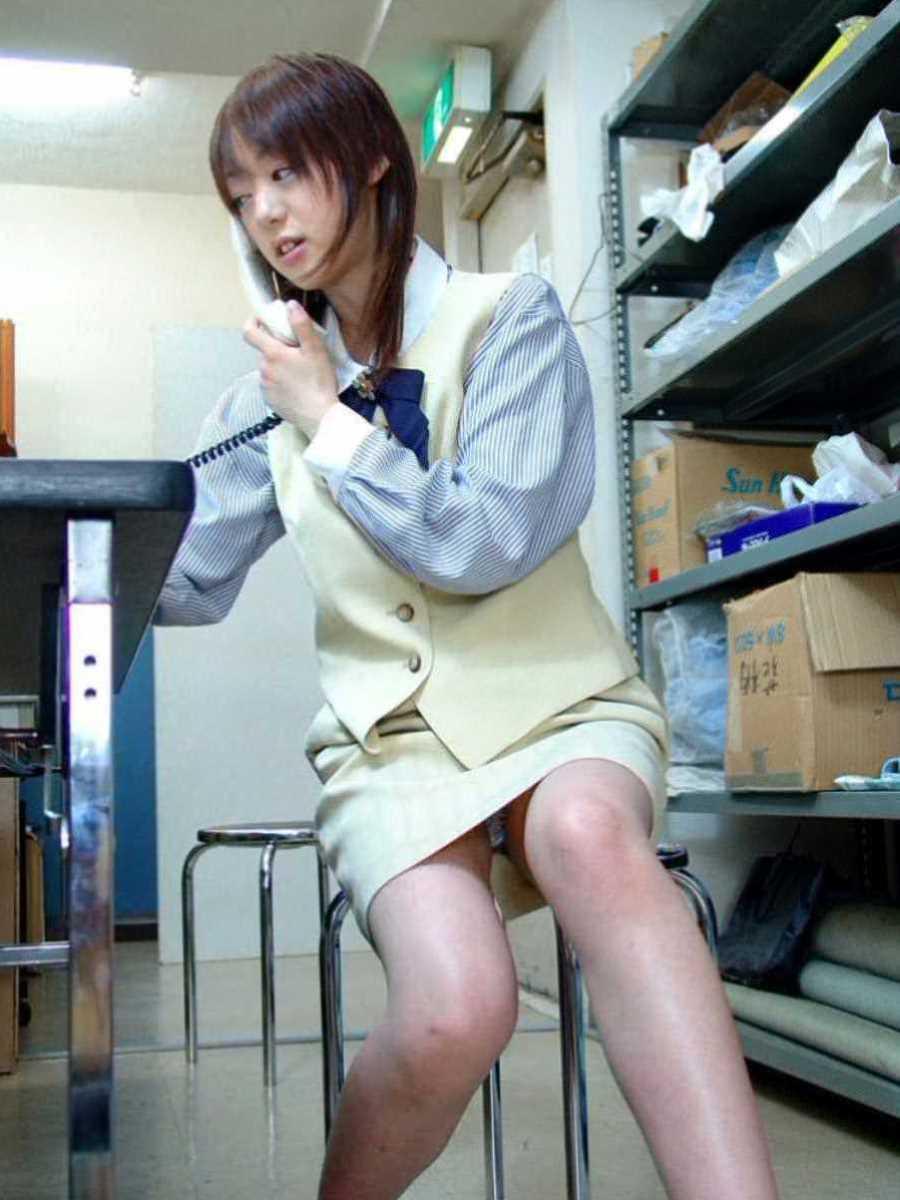 事務員など女子社員の会社内パンチラ画像 123