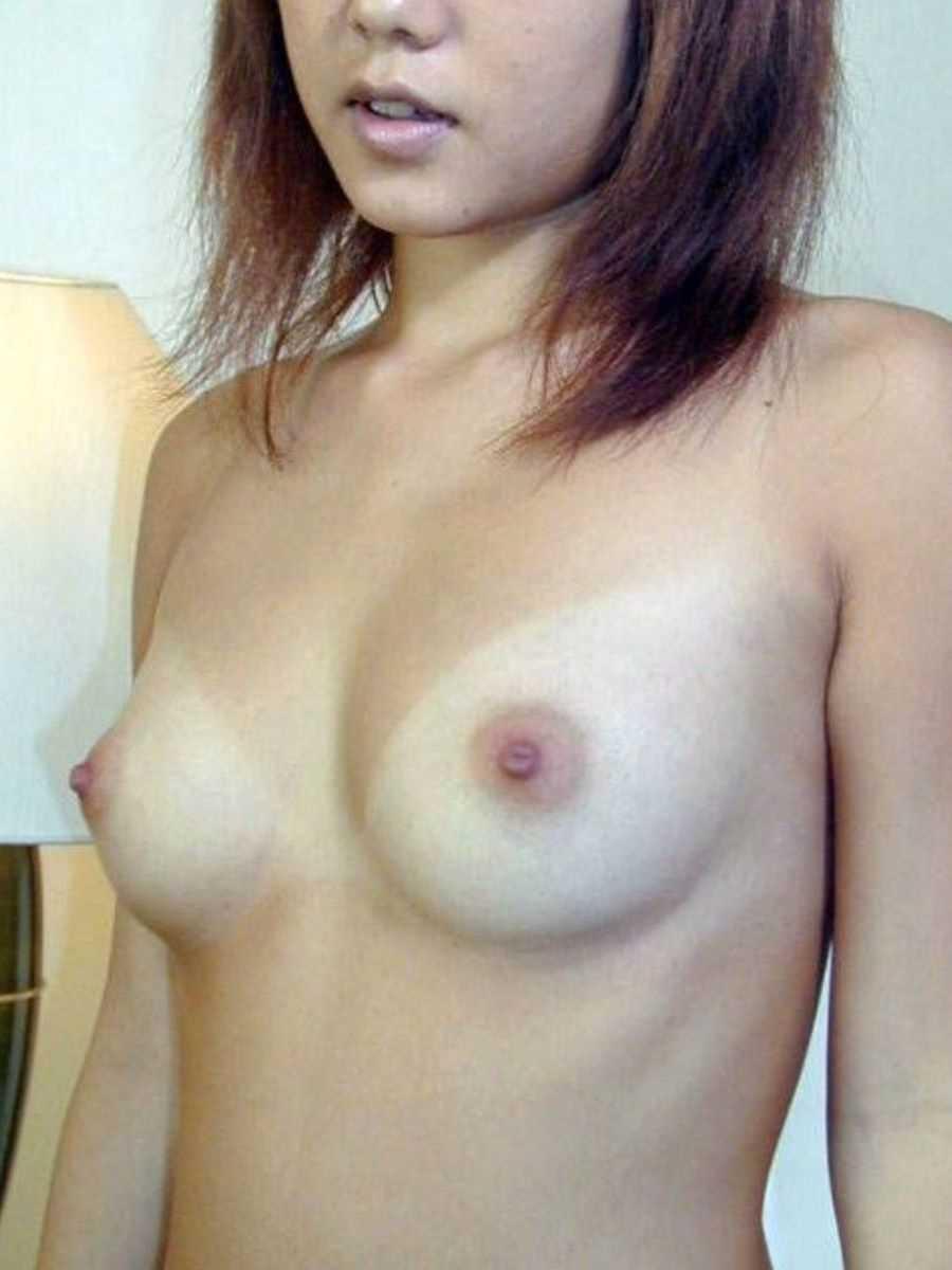 日焼け跡おっぱい画像!!白く浮き出た乳房の120枚