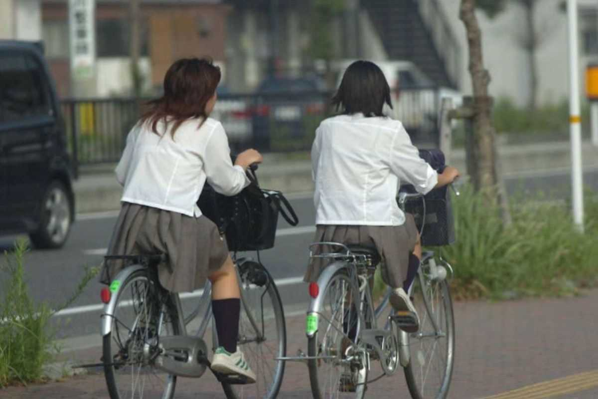 夏服JK 街撮り画像 52