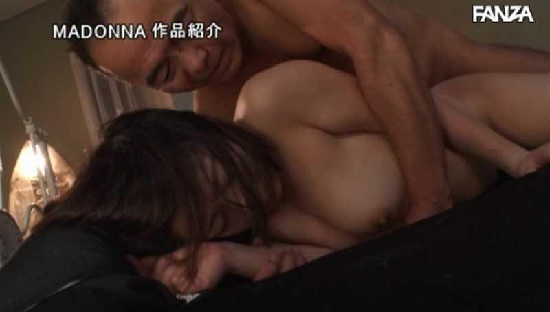 人妻キャリアウーマン 上野朱里 セックス画像 32