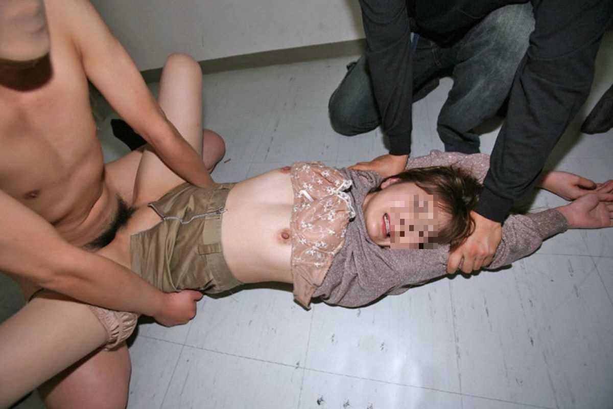 強姦 レイプ画像 11