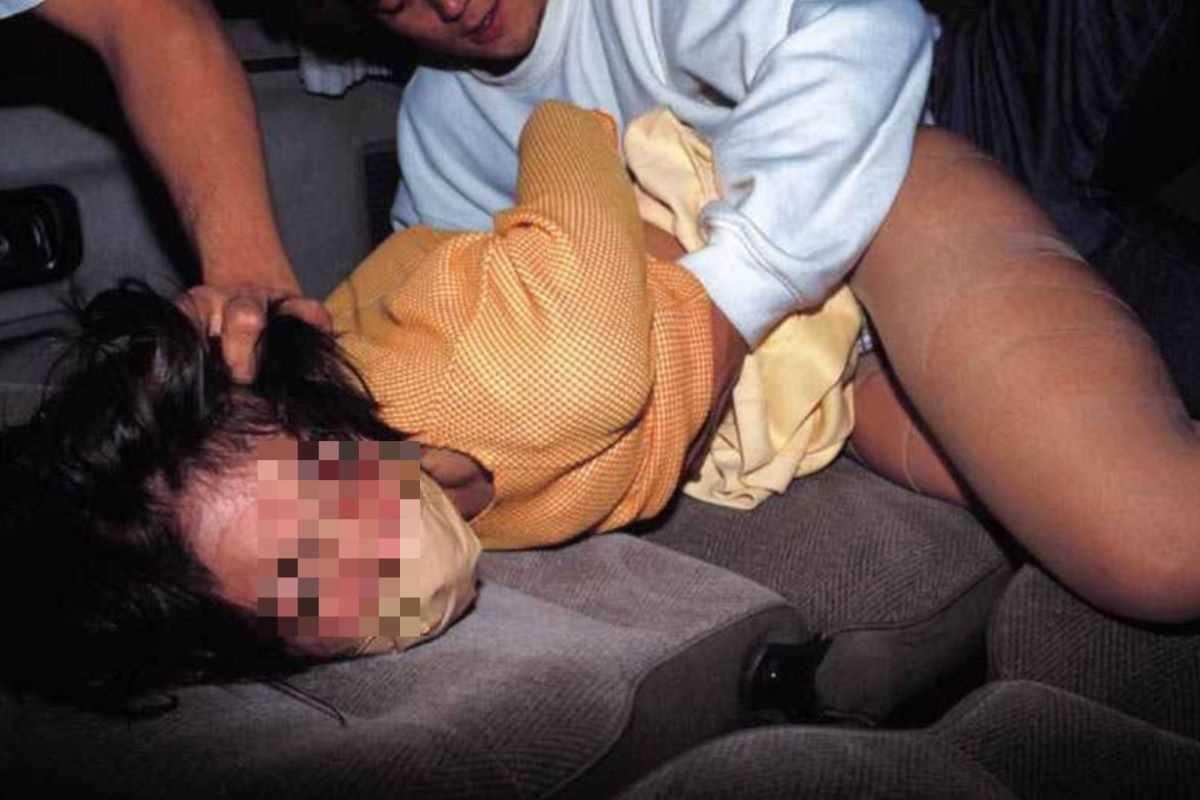 強姦 レイプ画像 105