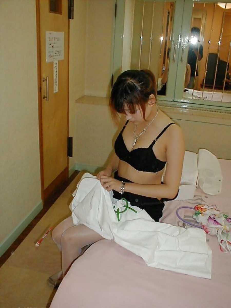 嫁や彼女の生着替え画像 58