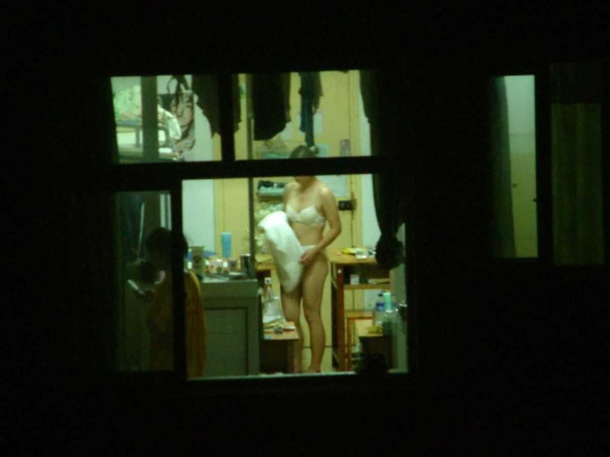 家の着替え盗撮画像 39