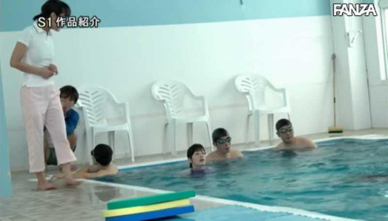 痴漢プールの競泳水着セックス画像 12