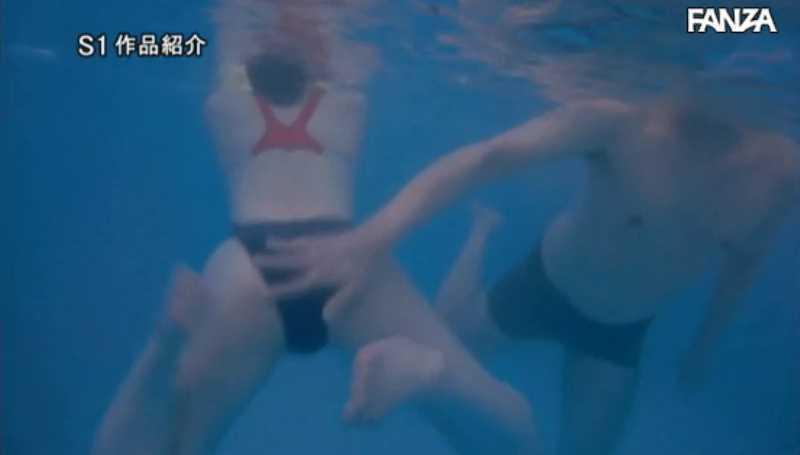 痴漢プールの競泳水着セックス画像 20