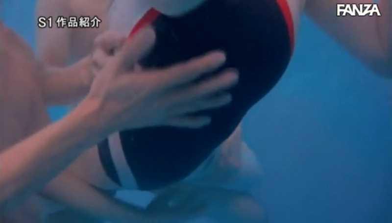 痴漢プールの競泳水着セックス画像 24