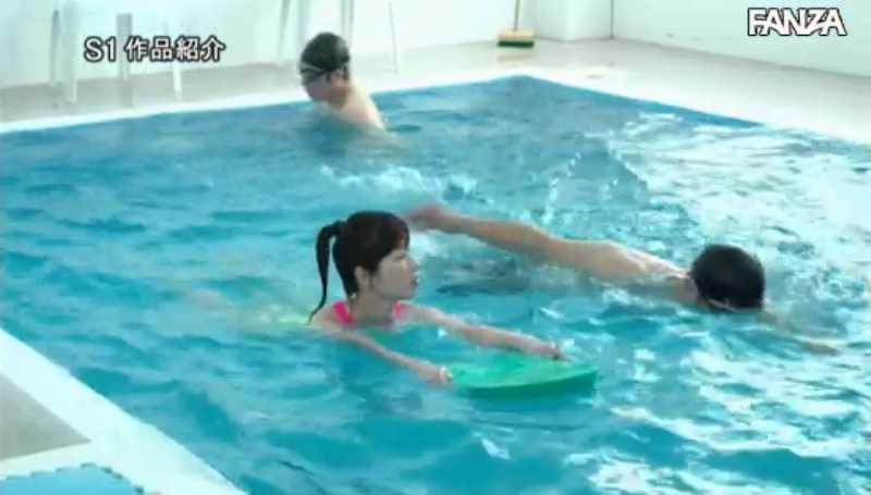 痴漢プールの競泳水着セックス画像 57