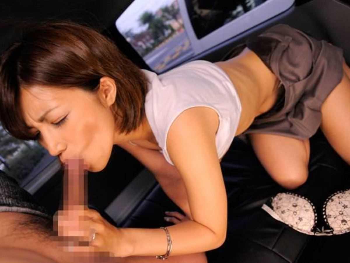 車内 フェラチオ画像 29