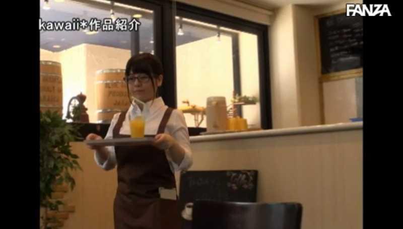 マシュマロ巨乳のカフェ店員セックス画像 14