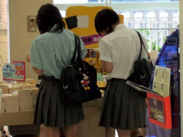 夏服 女子高生 下着 スケスケ エロ画像 2