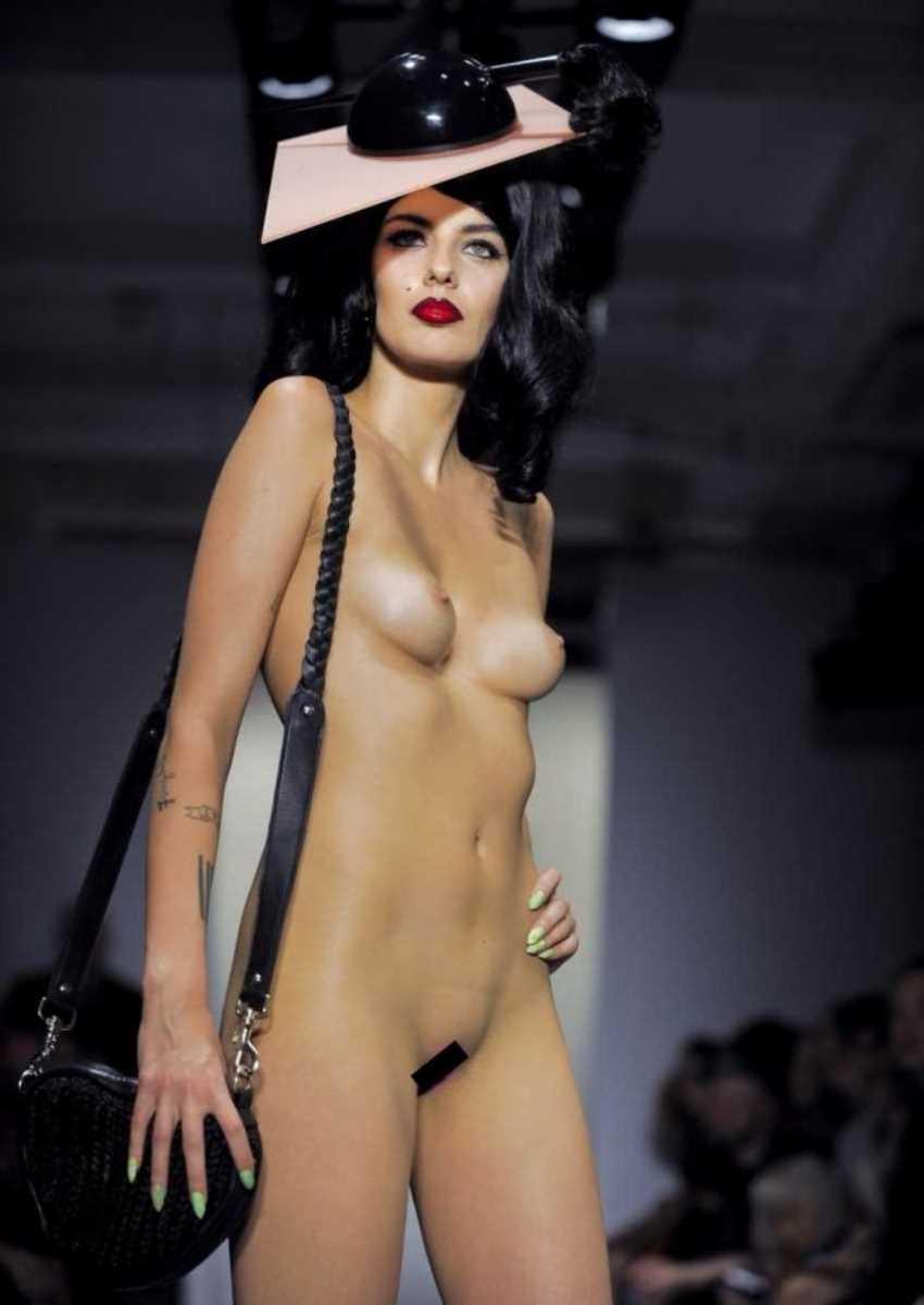 海外 ファッションショー画像 12