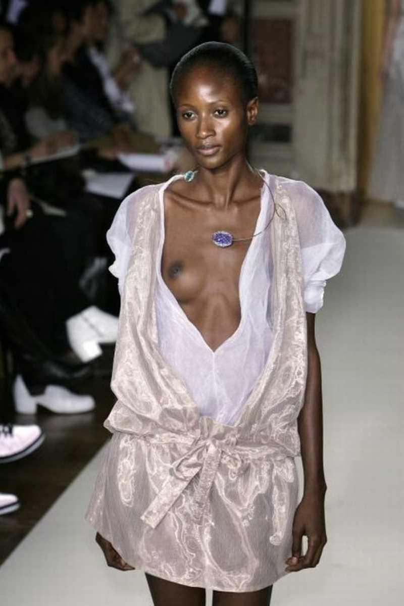 海外 ファッションショー画像 97