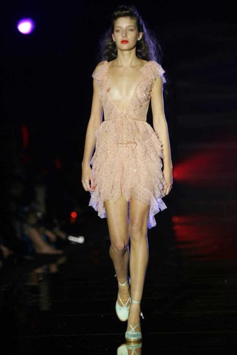 海外 ファッションショー画像 106