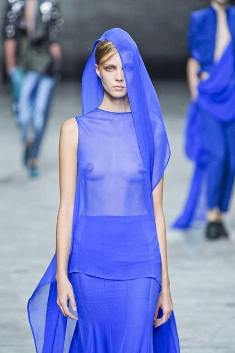 海外 ファッションショー画像 110