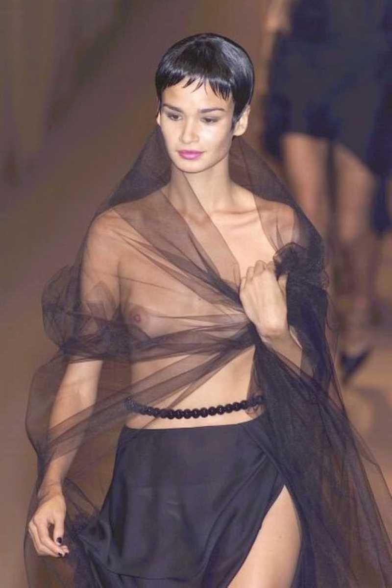 海外 ファッションショー画像 111