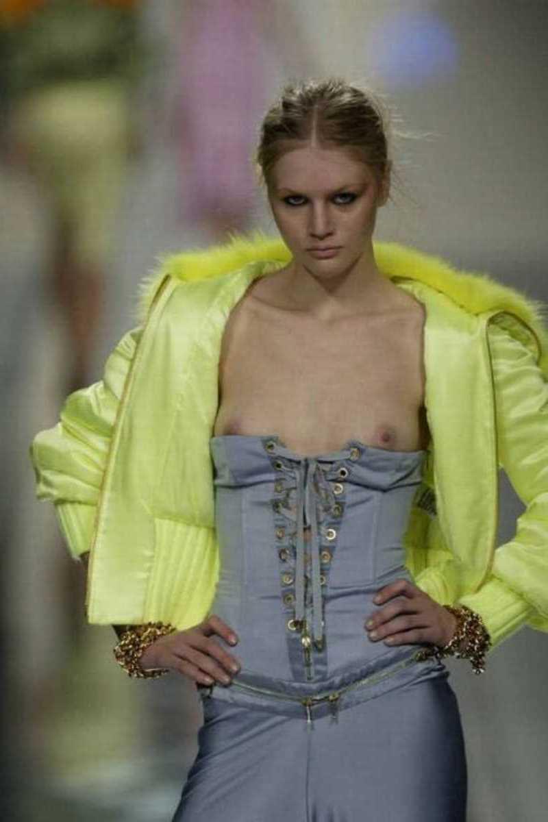 海外 ファッションショー画像 113