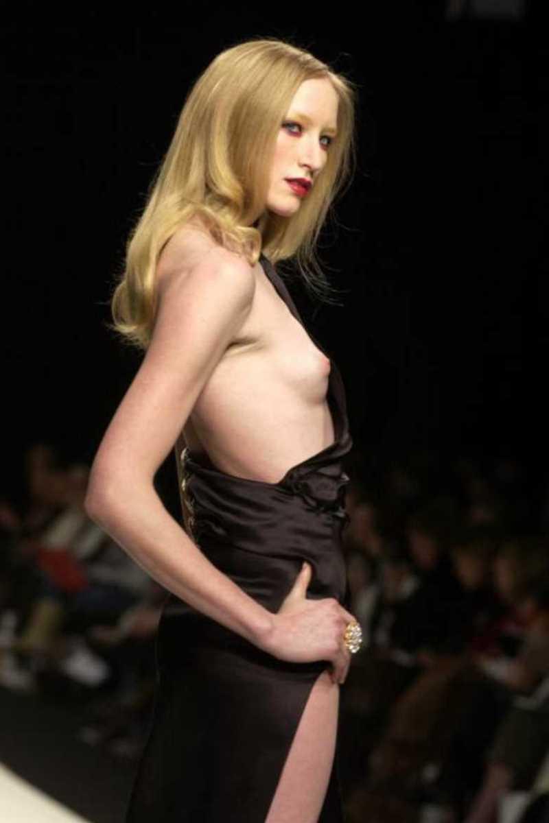 海外 ファッションショー画像 134
