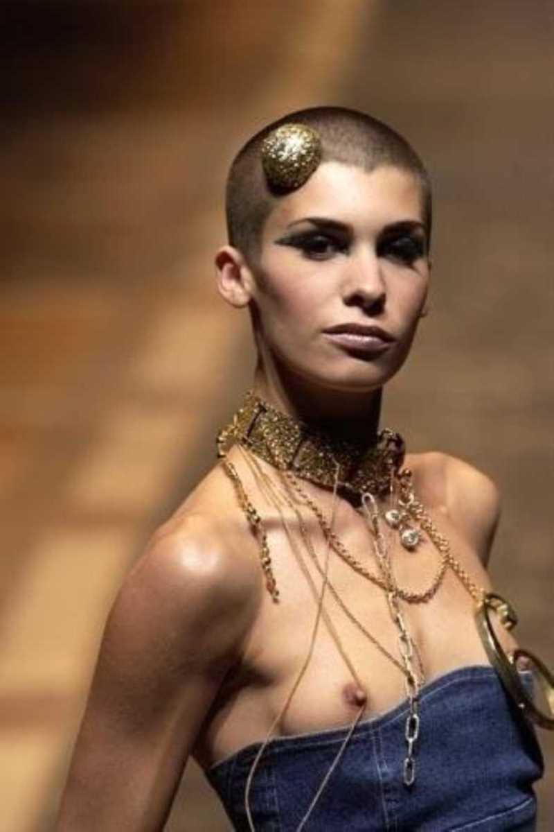 海外 ファッションショー画像 139