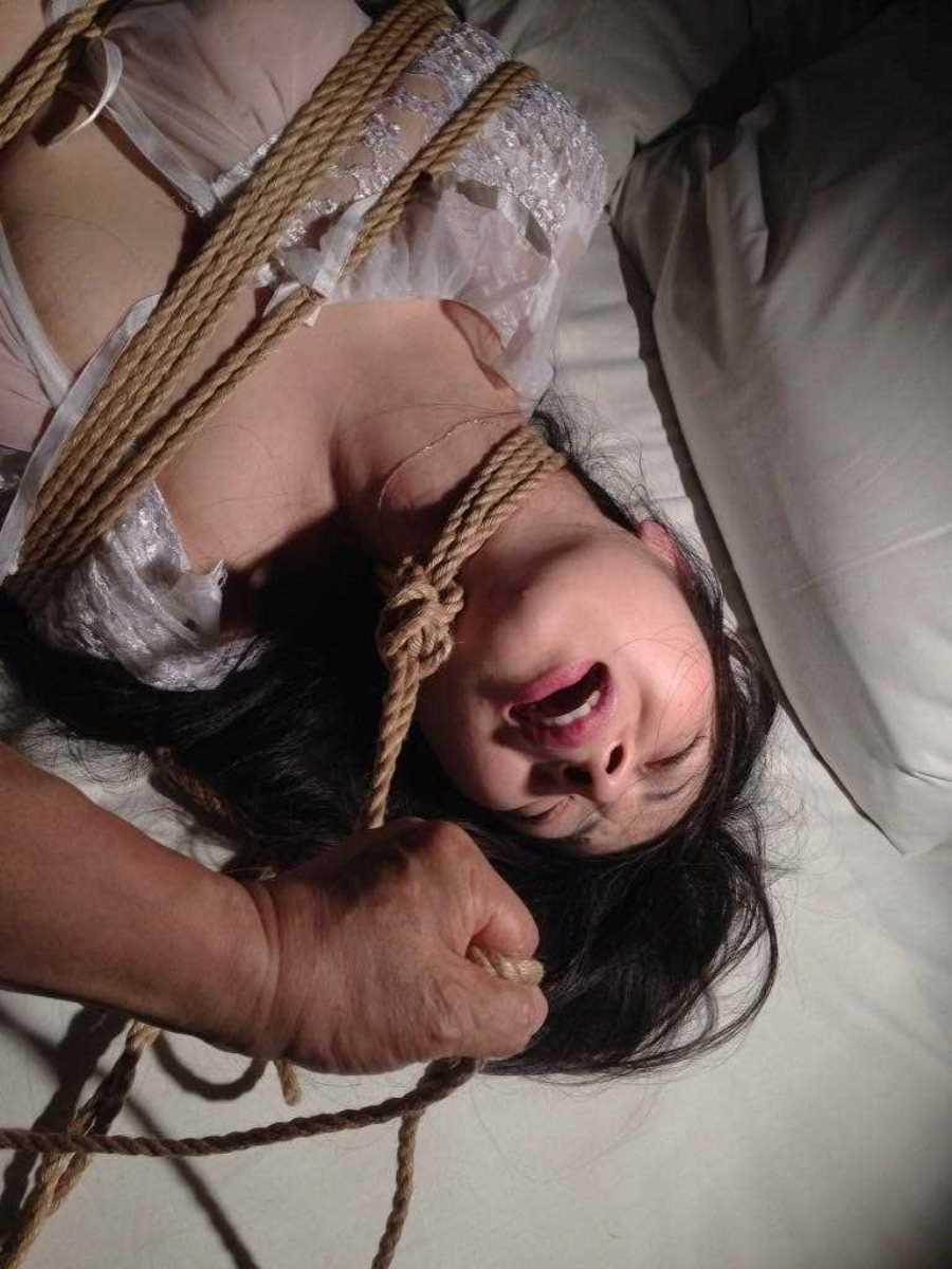 首絞め セックス画像 46