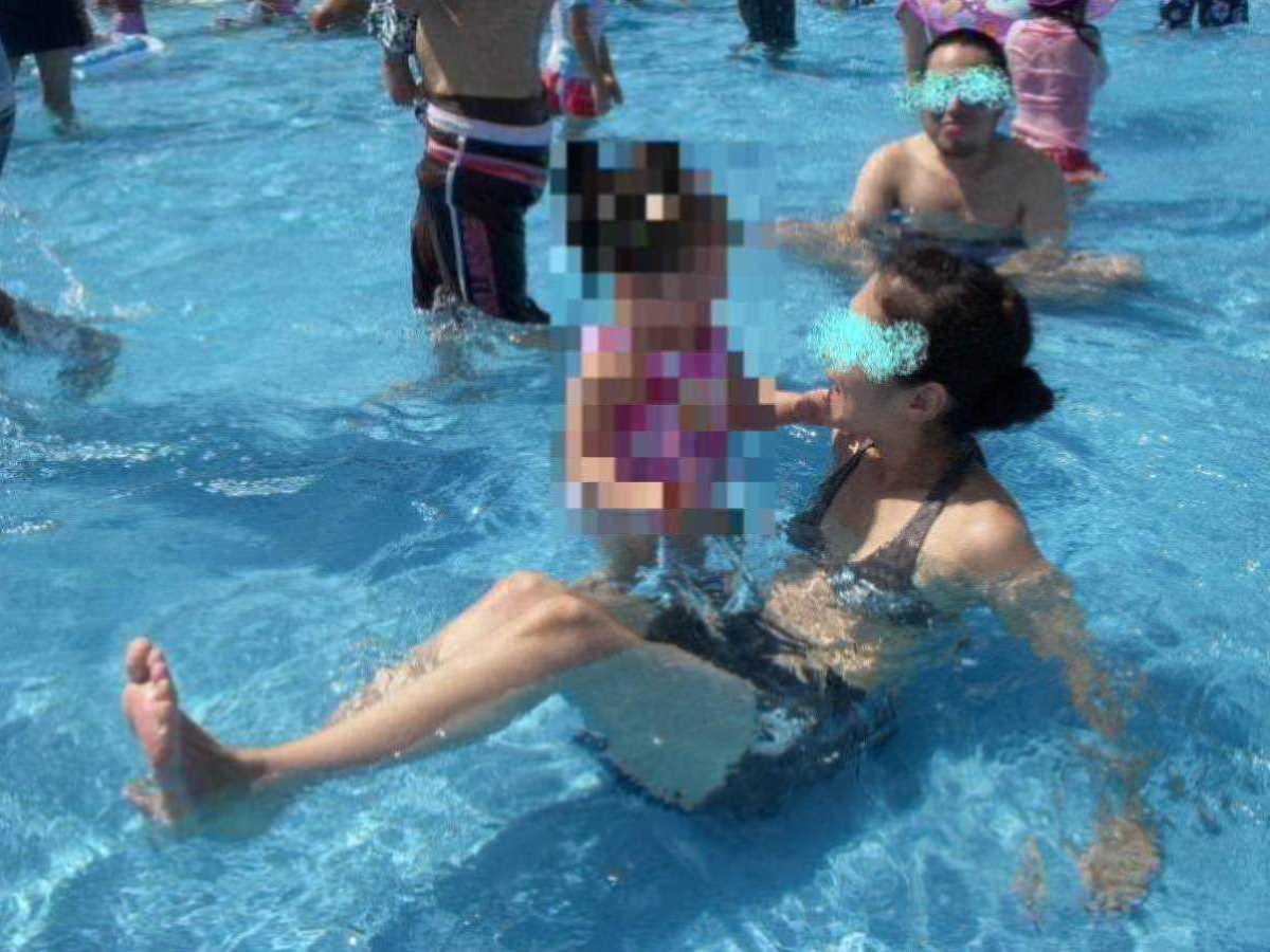 人妻の水着画像 90