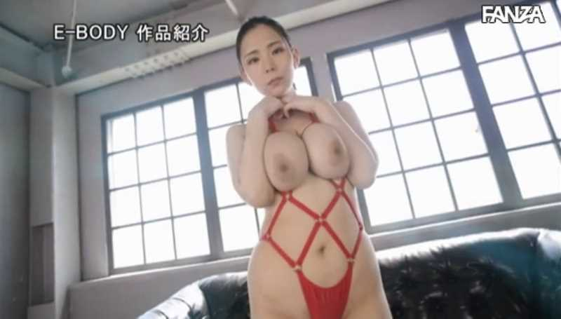 Mカップ超乳美女 吉根ゆりあ セックス画像 14