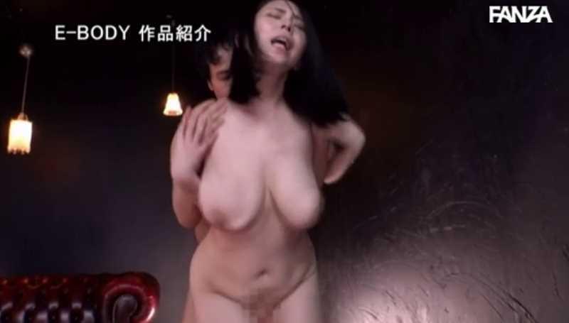 Mカップ超乳美女 吉根ゆりあ セックス画像 43