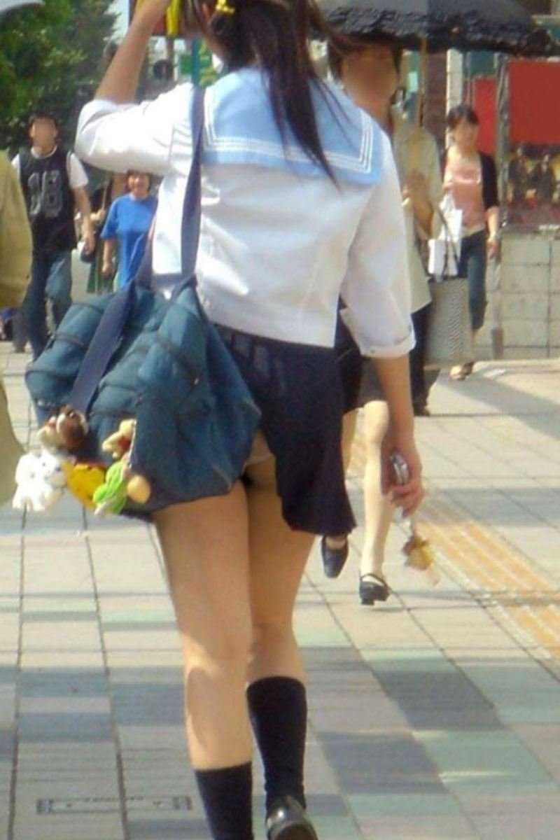 女子高生の風パンチラ画像 78