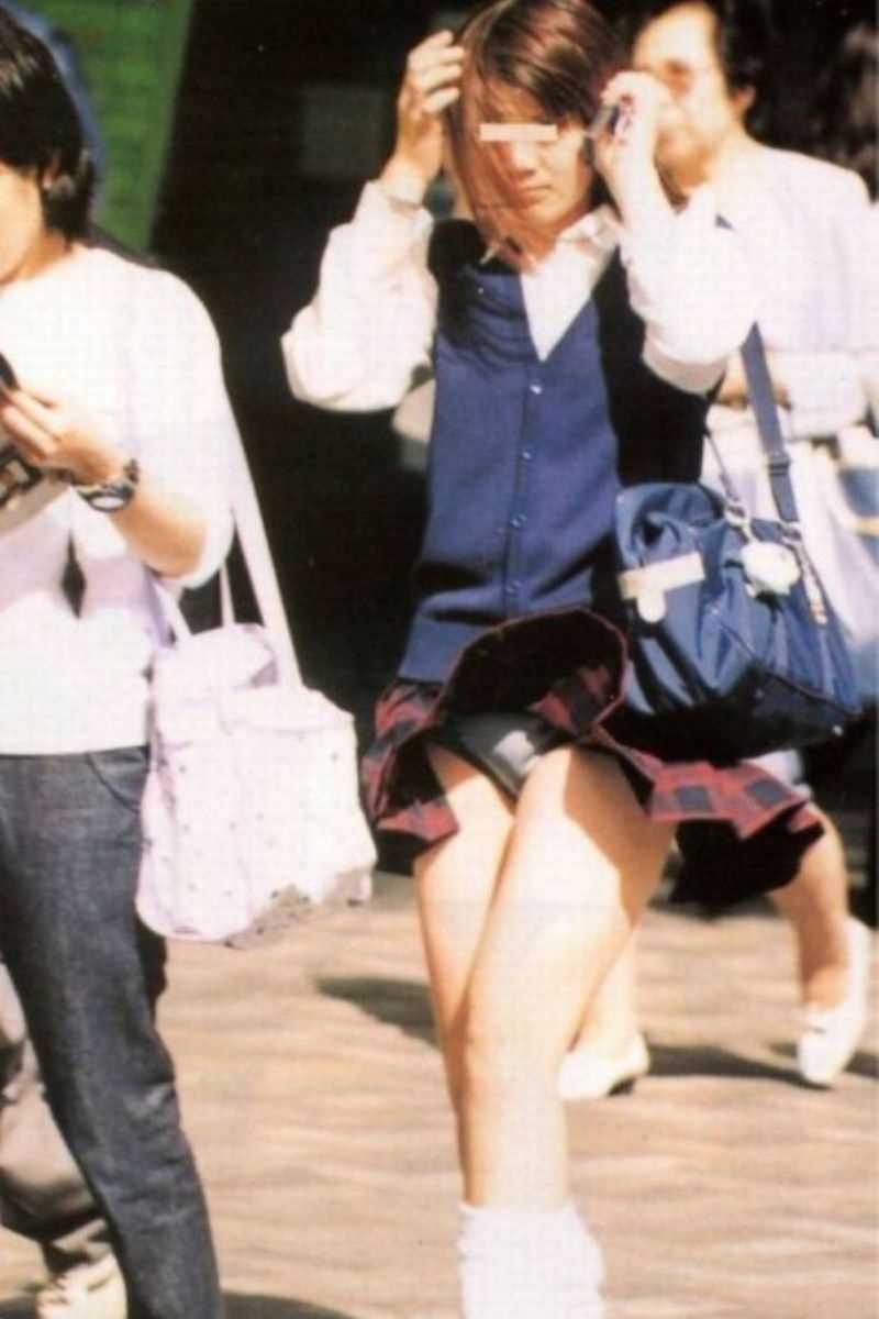 女子高生の風パンチラ画像 106