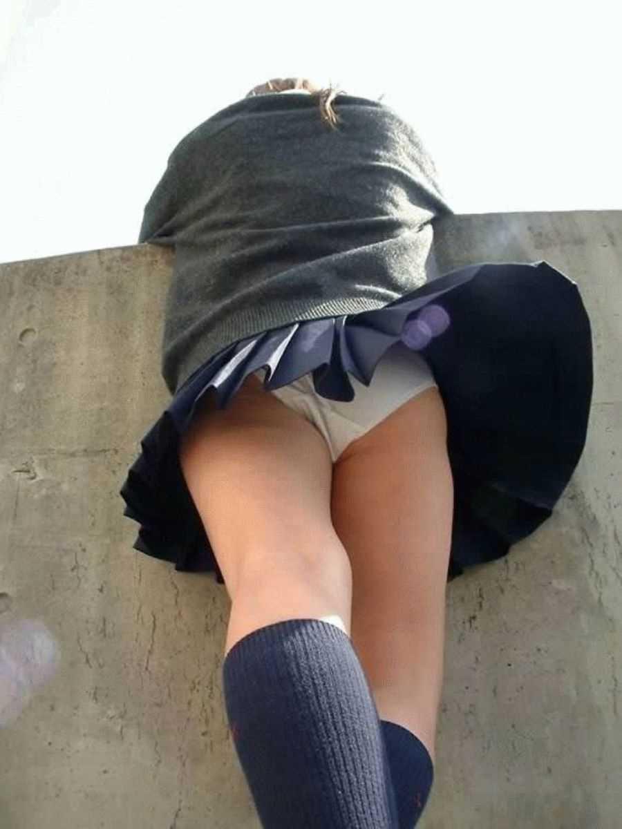 女子高生の風パンチラ画像 107