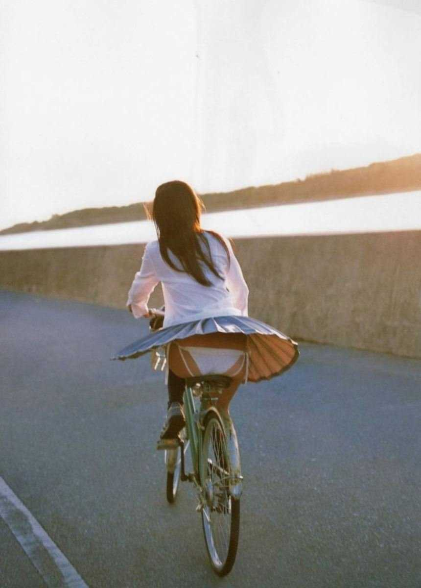 女子高生の風パンチラ画像 118
