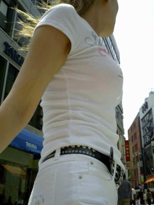 Tシャツ 透けブラ画像 2
