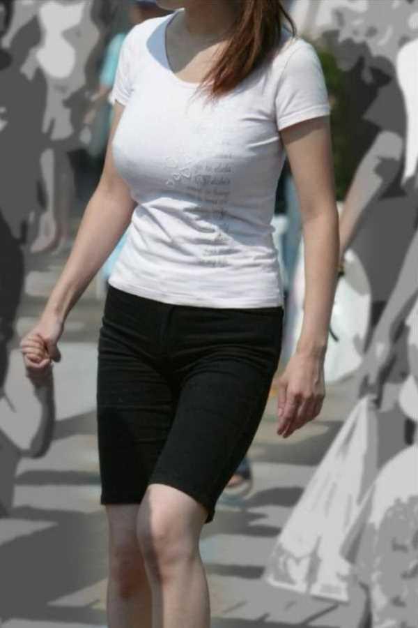 Tシャツ 透けブラ画像 21