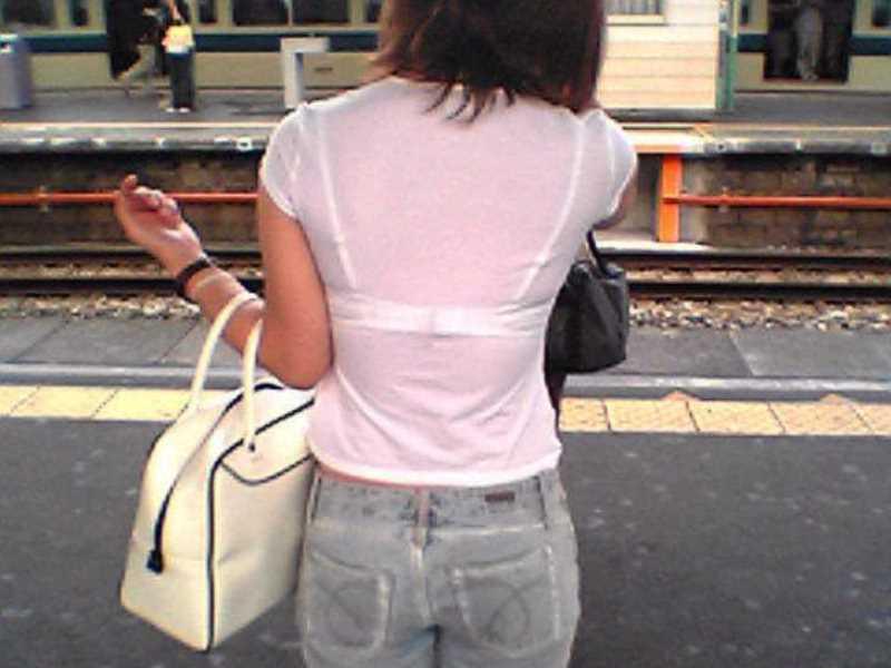 Tシャツ 透けブラ画像 24