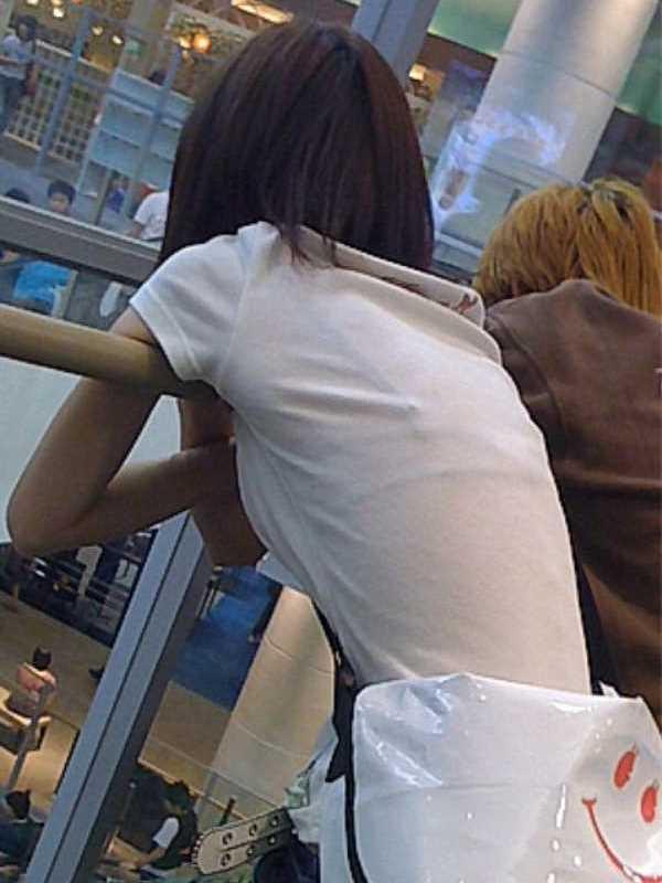 Tシャツ 透けブラ画像 36