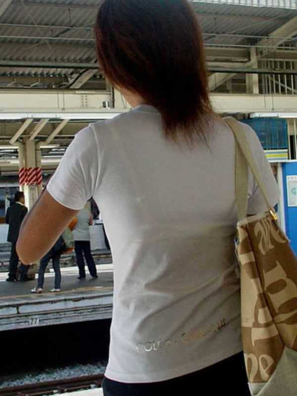 Tシャツ 透けブラ画像 40