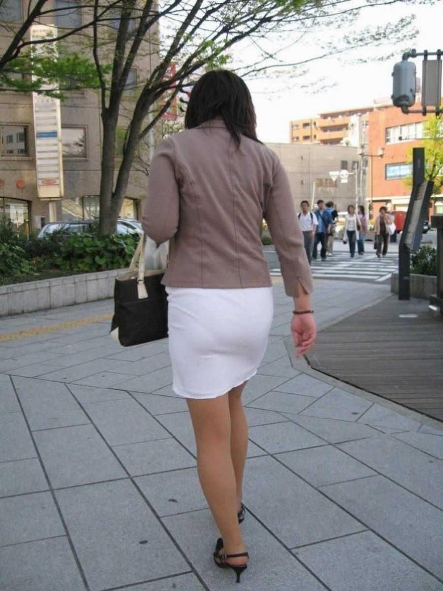 街撮り 透けパン画像 72