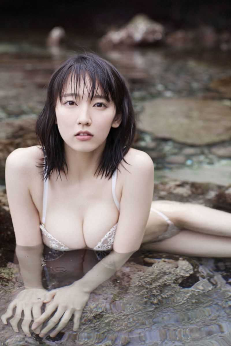 水着姿の芸能人エロ画像 183