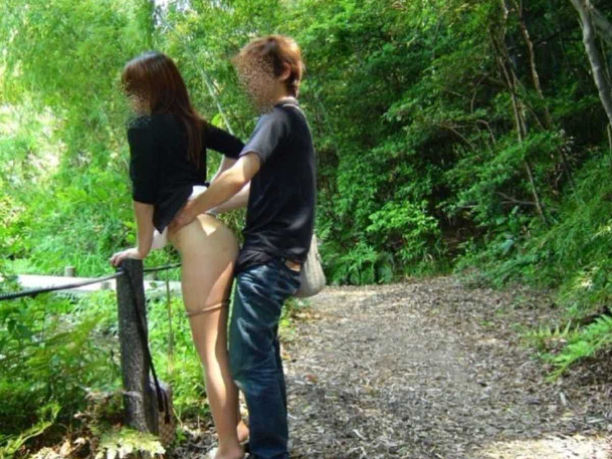 野外のセックス画像 83