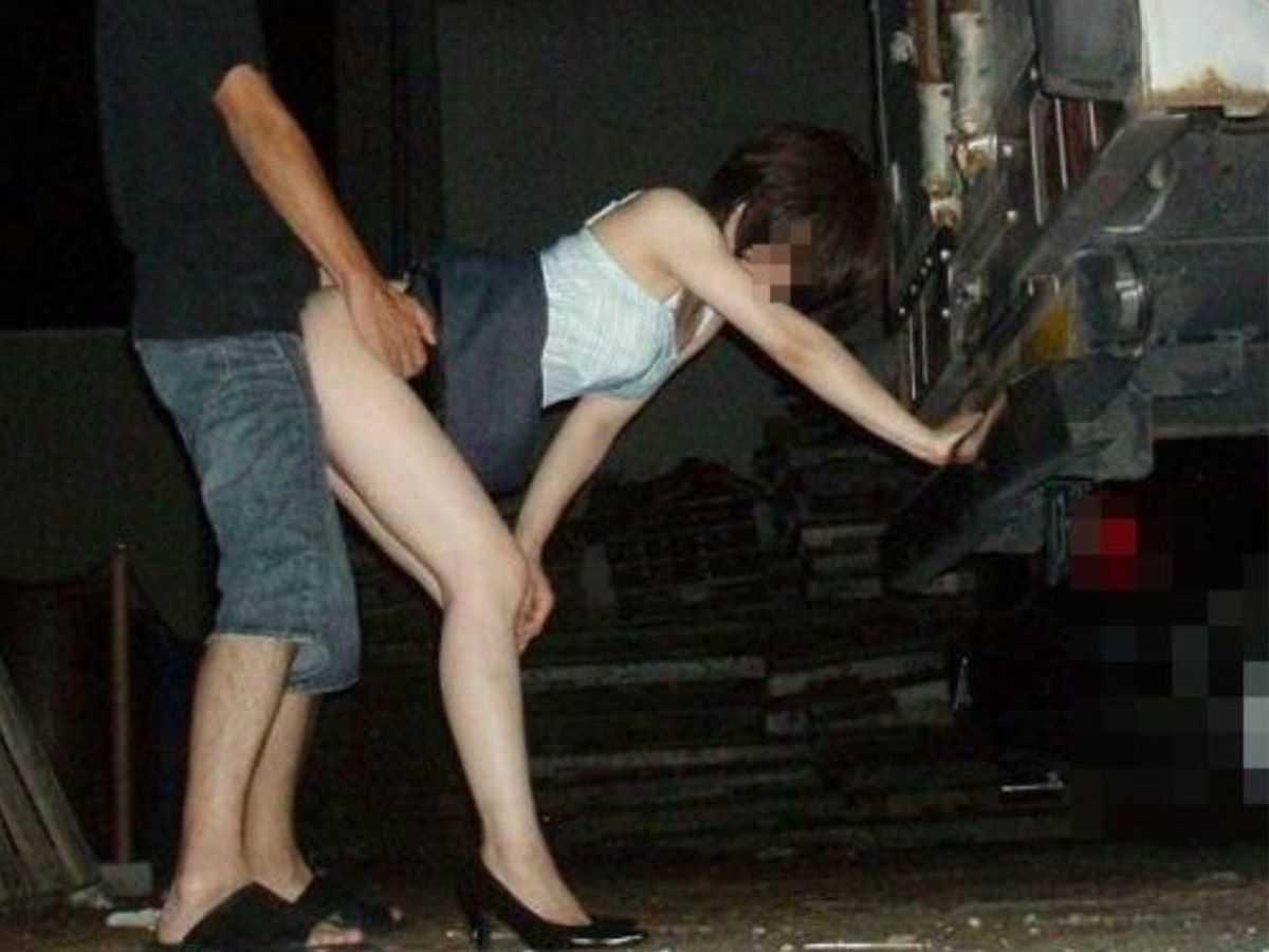 野外のセックス画像 118
