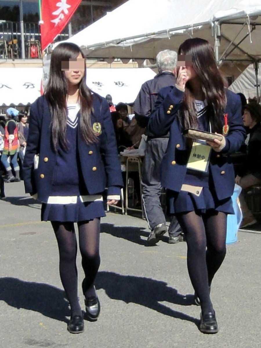 制服姿のJK街撮り画像 26