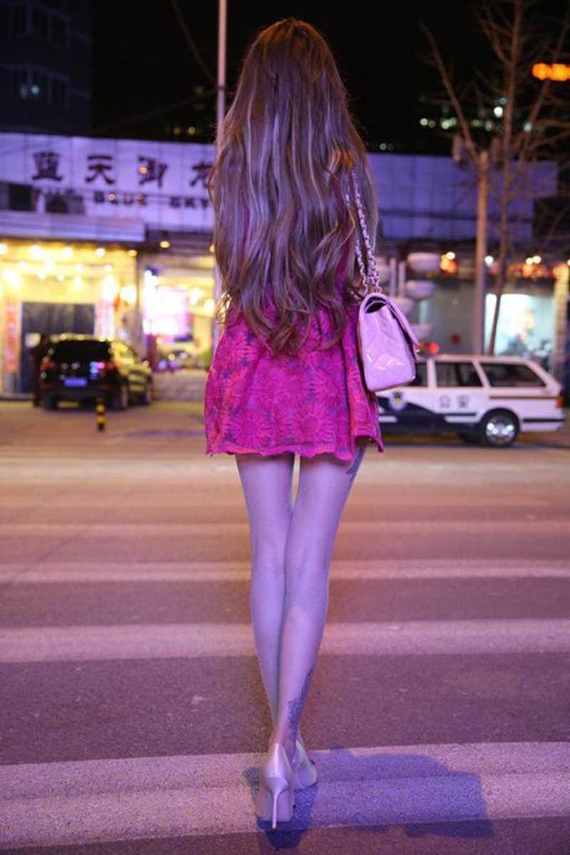 ミニスカ美脚の街撮り画像 5