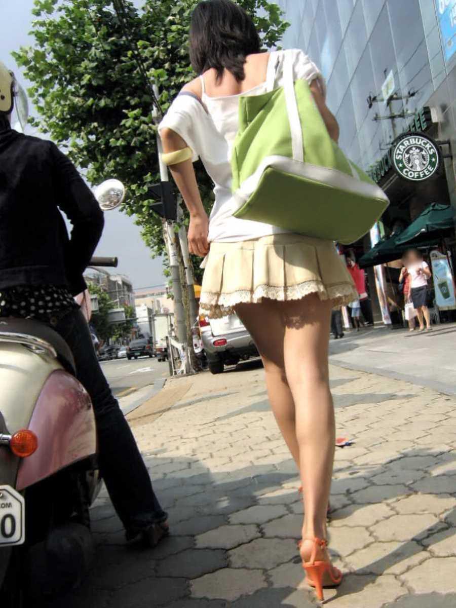 ミニスカ美脚の街撮り画像 72