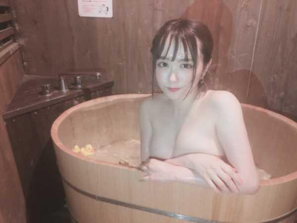 インスタライブで乳首を晒した無名アイドル…(※エロ画像あり)