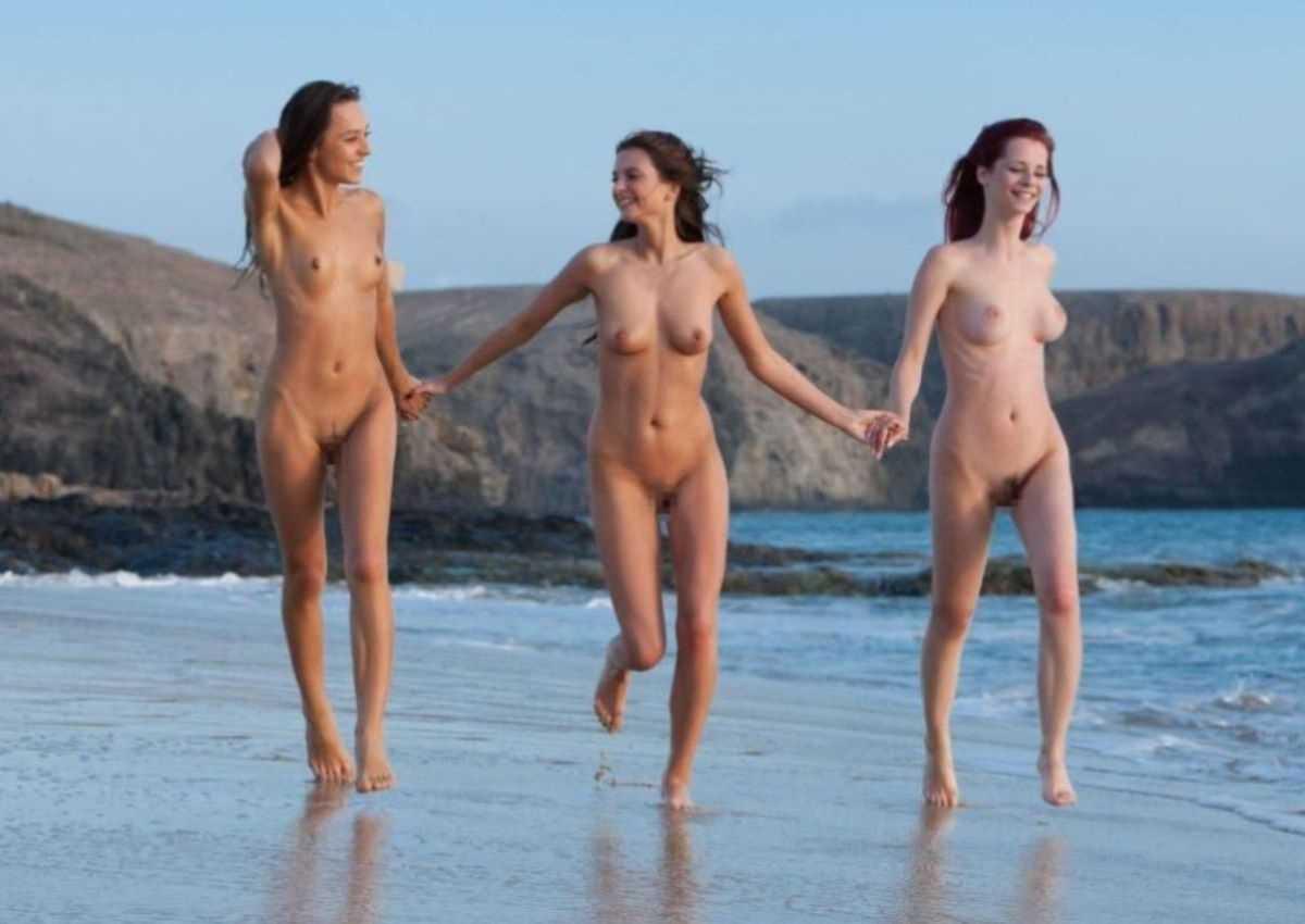ヌーディストビーチのエロ画像 20
