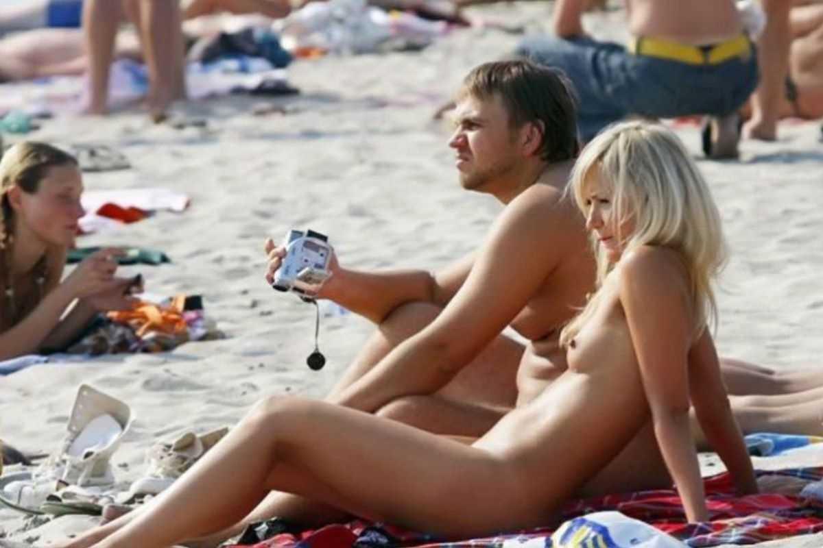 ヌーディストビーチのエロ画像 54
