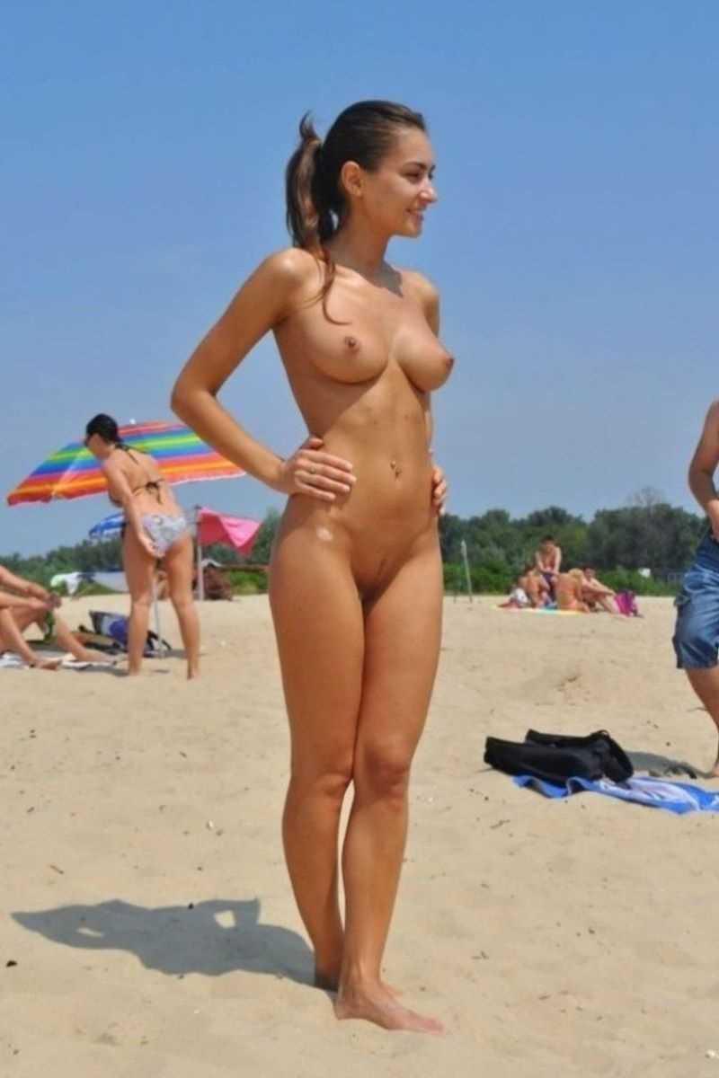 ヌーディストビーチのエロ画像 121